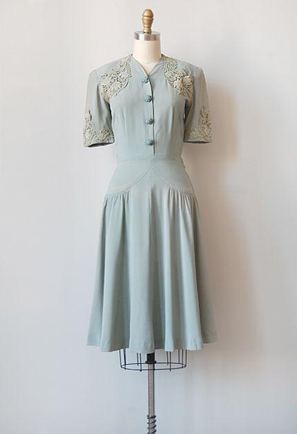 vintage 1940s grey filigree lace dress   Vintage dresses, 1940s .