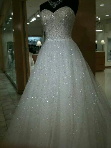 Beautiful sparkle ball gown | Wedding dresses cinderella, Bling .