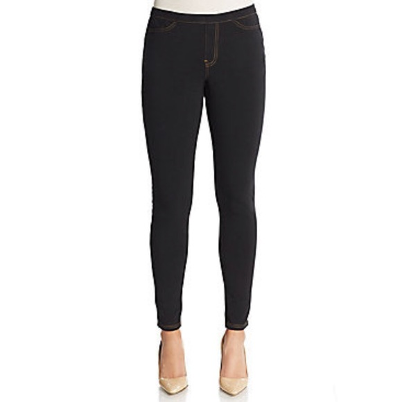HUE Pants | Black Jeggings | Poshma