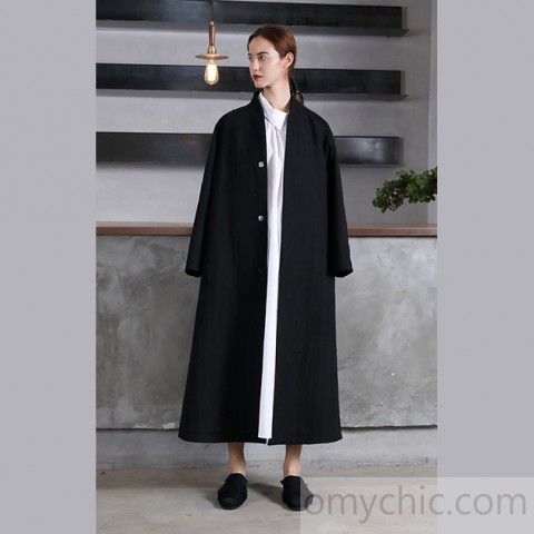 vintage black Woolen Women oversize trench coat V neck wrinkled .