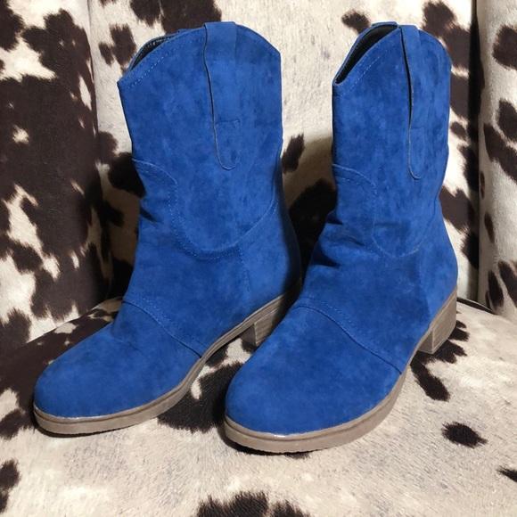 Annie Cloth Shoes | Blue Boots | Poshma