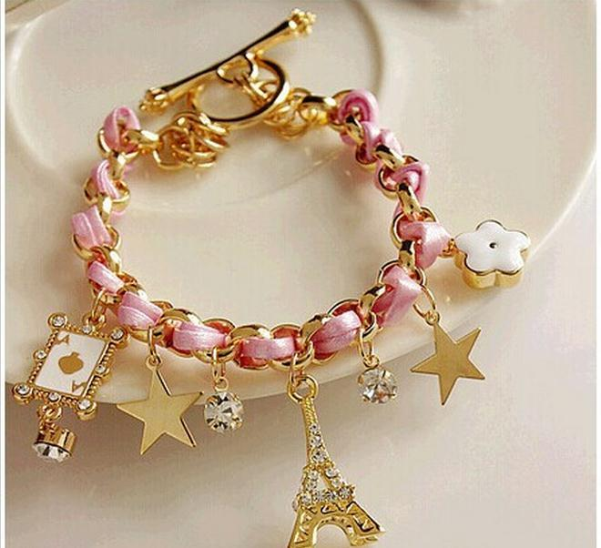 Charm Bracelets for Women – The Perfect Gift - StyleSkier.c
