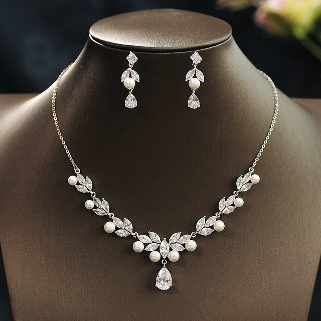 Leaf-Shape Bridal Wedding Accessories Cubic Zirconia Celebrity .