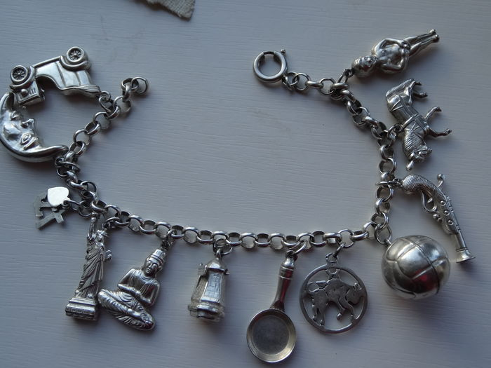 Classic charm bracelet with 12 large charms - Catawi