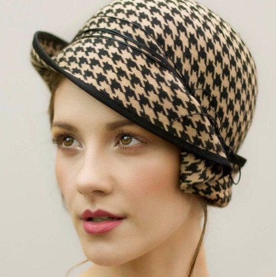 The Charis Felt Cloche Hat Houndstooth Pattern Flapper | Et