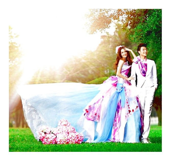 Unique colorful wedding dresses: Pictures ideas, Guide to buying .