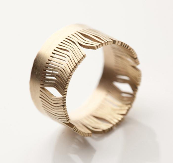 elsa-vanier-gallery-contemporary-jewelry-paris-claire-wolfstirn .