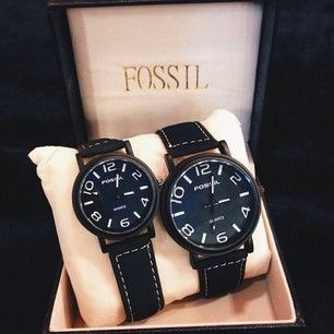 FOSSIL COUPLE WATCH COLOUR : BLACK PRICE : RM120 FREE POSTAGE .