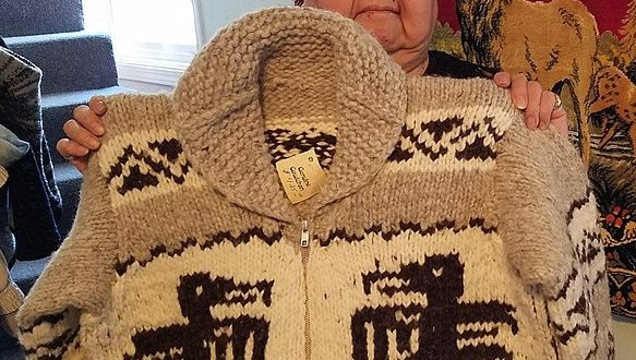 Cowichan Sweater | The Canadian Encycloped