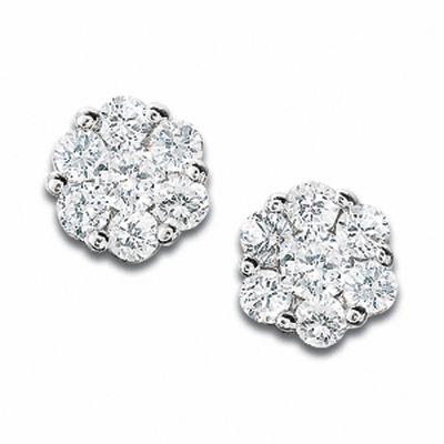 1/3 CT. T.W. Diamond Flower Stud Earrings in 10K White Gold .