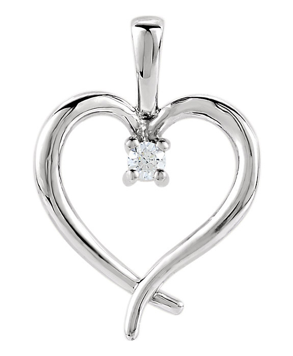 Single Diamond Heart Necklace in White Go