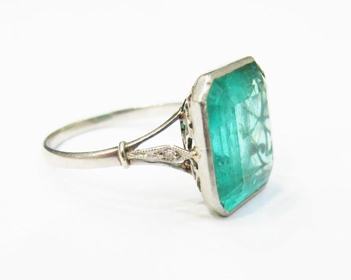 Say YES to Wednesday: Vintage Emerald, Diamond & Platinum Ring .