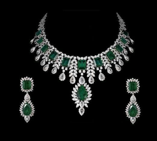EMERALD NECKLACE JEWELRY - jewelinfo4u- Gemstones and Jewellery .