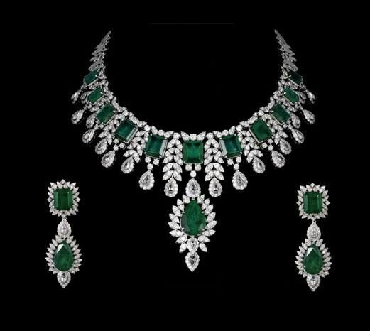 Very Nice Emerald Bridal Necklace With matching Earrings, Gleam Jewe