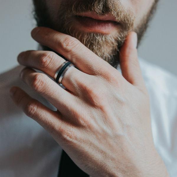 Do Men Wear Engagement Rings? - Bl
