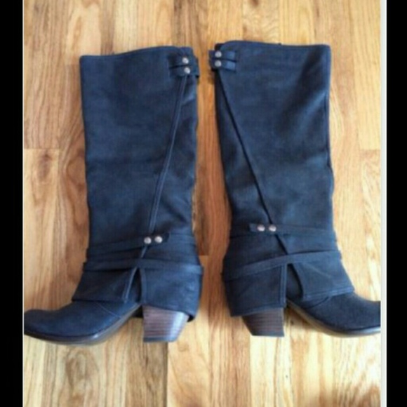 Fergie Shoes | Black Leather Suede Size 9 Boots | Poshma