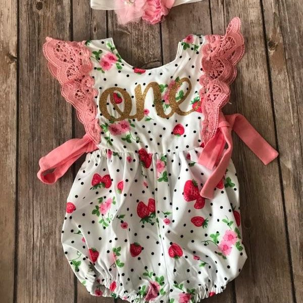 First Birthday Outfits | Tutus, headbands, sequin pants, spark