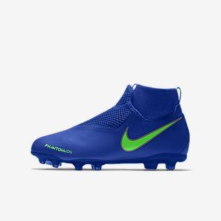 Girls' Football Shoes. Nike
