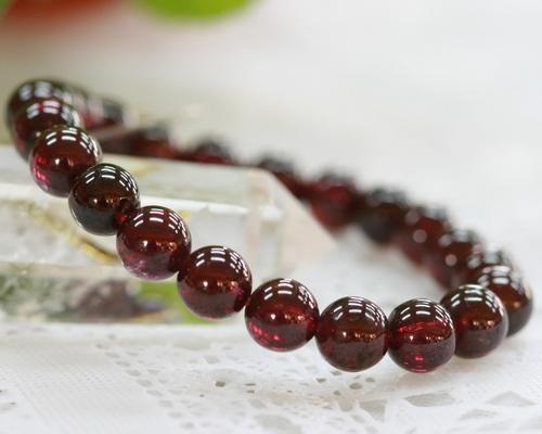 koufukunoisi: Garnet | Garnet bracelet | Garnet bracelet | January .