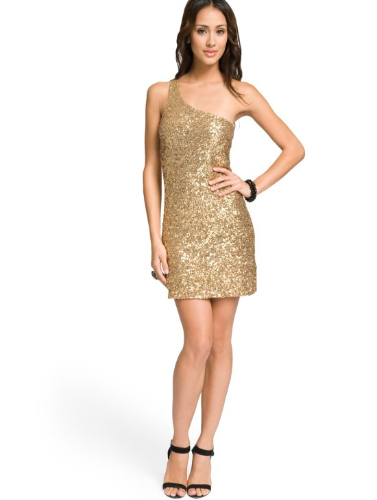 What Accessories to Wear with a Gold Dress - Thefashionables.c