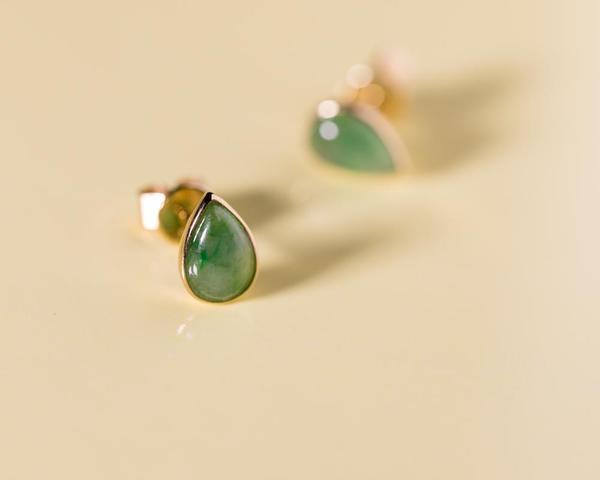 Stud Earrings with Green Jade | TRACE modern ja