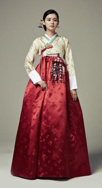 Seodamhwa - Wedding Hanbok designed by Song Hye-Mi - Traditional .