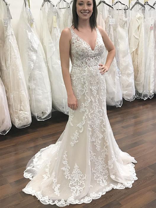 Glamorous Lace V-neck Neckline Backless Sheath Wedding Dress WD077 .