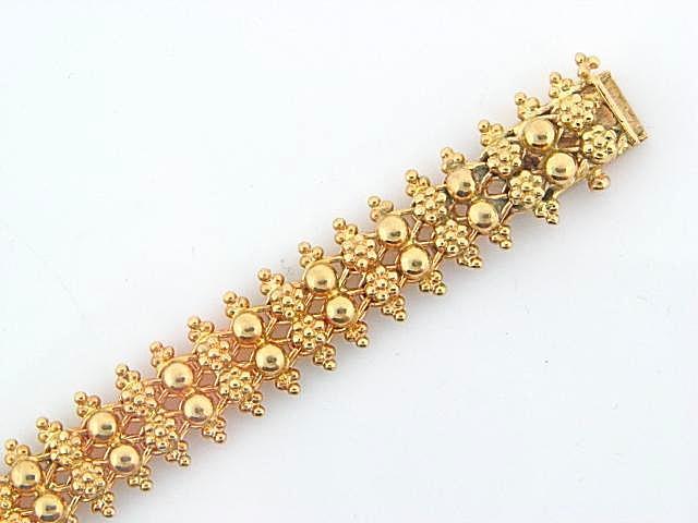 1949 - 19.2K Portuguese Gold Flowers/Half Balls Ladies Bracelet .
