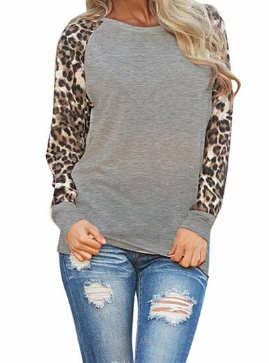 Women's Casual Top - Leopard Print Sleeves / Gr