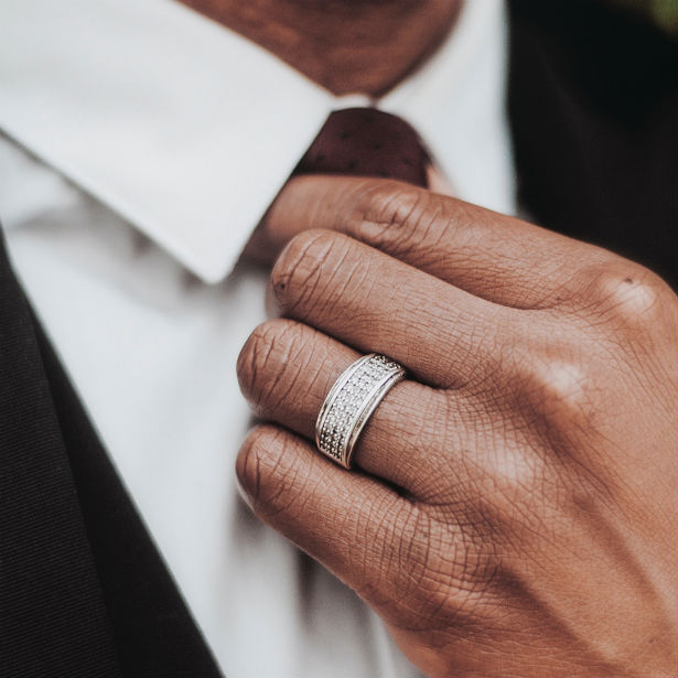 Your Guide to Men's Wedding Band Styl