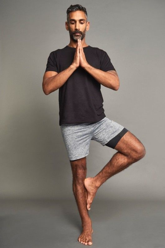 MEN MAY WEAR YOGA CLOTHES IN THEIR HOTEL ROOM TO MEET A DATE, THEN .