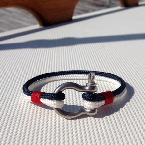 bracelet Archives - Maggie & Mil