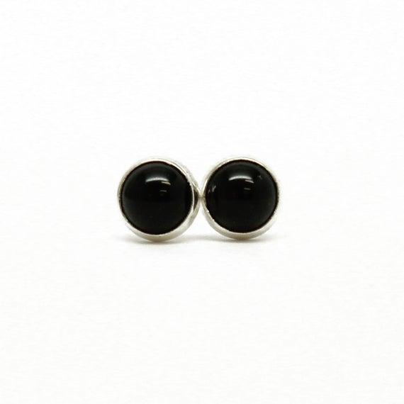 4mm Black Onyx Stud Earrings in Sterling Silver Onyx Studs | Et