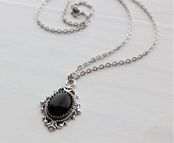 Black Onyx Necklace. Gemstone Necklace. | Et