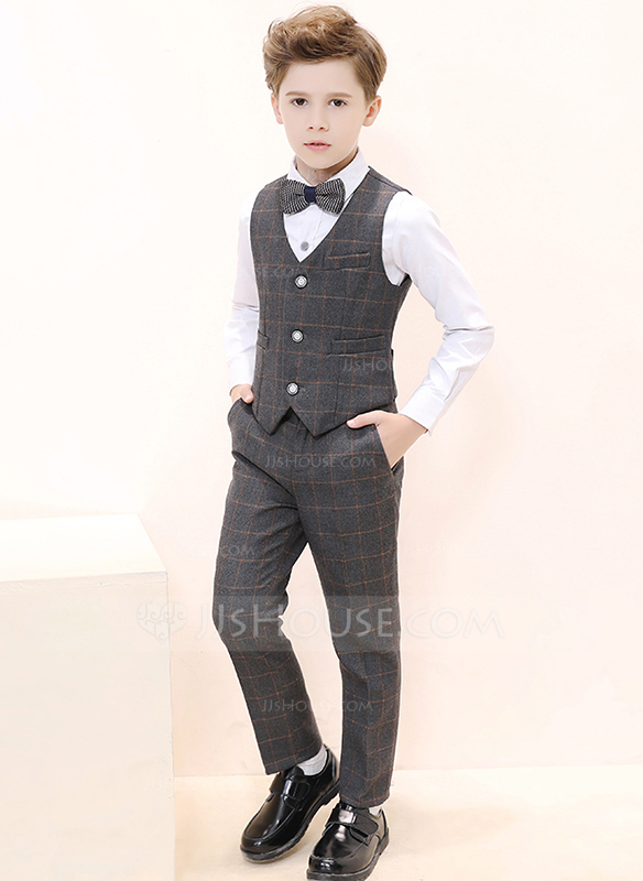 Boys 4 Pieces Plaid Ring Bearer Suits /Page Boy Suits With Shirt .