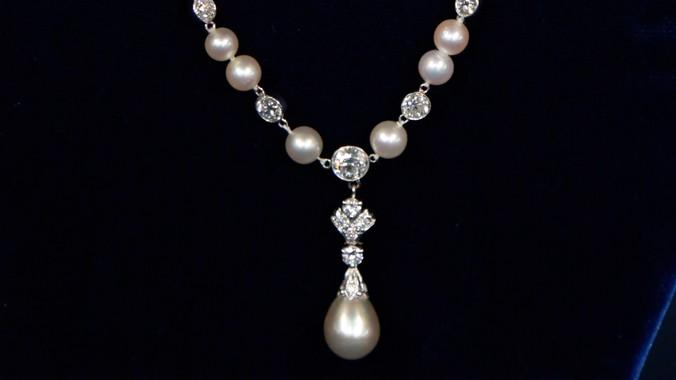 Tiffany & Company Natural Pearl & Diamond Necklace, ca. 1909 .