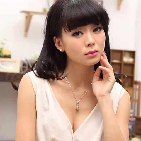 Pearl Stud Earrings Women's Accessories Simple Love TCDE0095 .