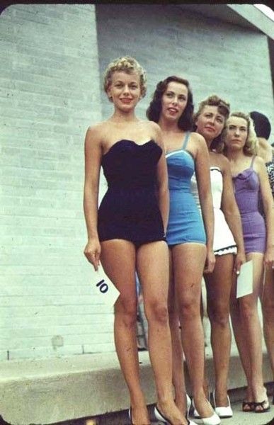 1950s bathing suits (With images) | Vintage swimwear, Vintage .