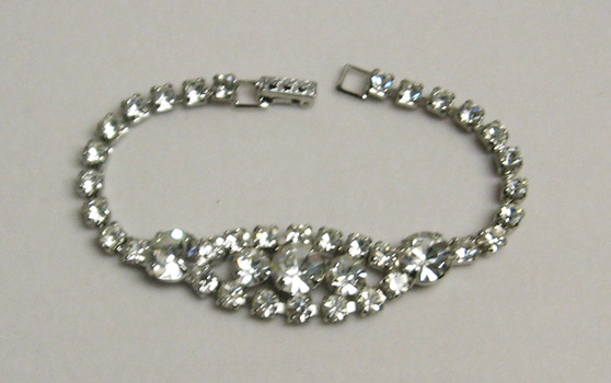 Lovely Vintage Brilliant Rhinestone Bracelet - Always Treasur