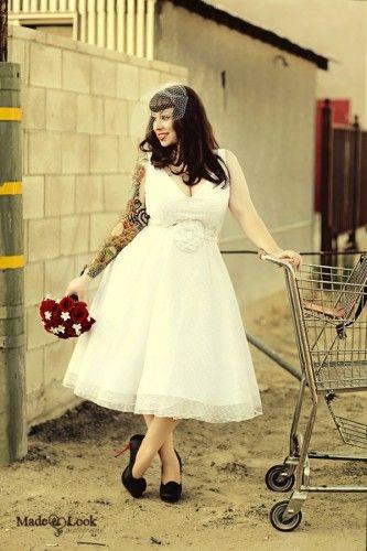 Love this retro/rockabilly wedding dress | Short wedding dress .