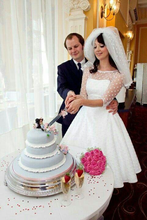 In love with this dress! :: Rockabilly wedding Dress:: Polka Dot .