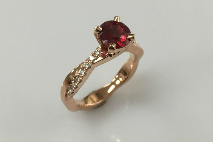 1.14 Carat Yellow Gold Ruby Diamond Ring – Keezing Kreatio