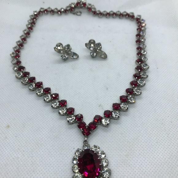weiss Jewelry | Vintage Ruby Necklace | Poshma