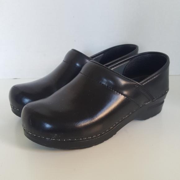 Sanita Shoes | Black Leather Slip On Clogs Nurse | Poshma