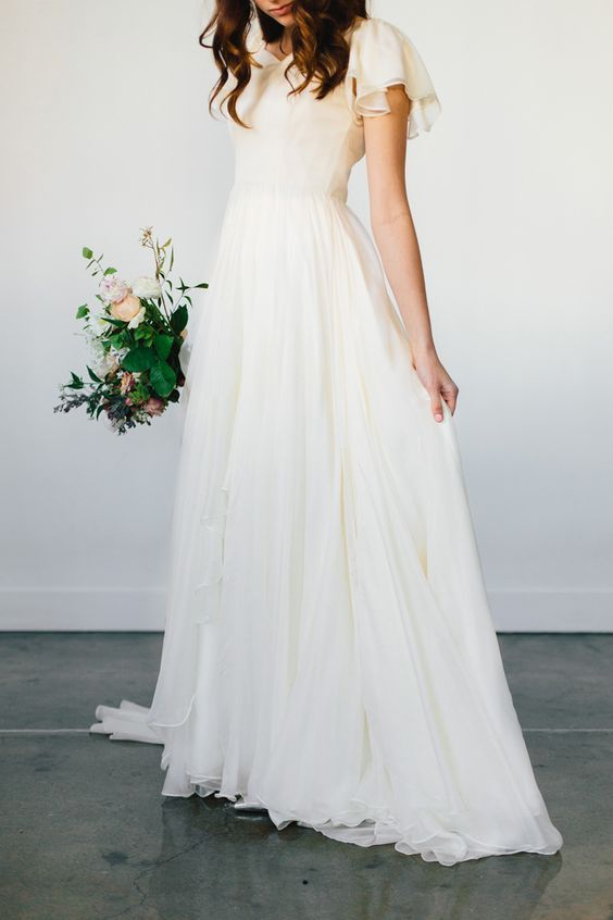 25 Modest Wedding Dresses with Short Sleeves | Modest wedding .