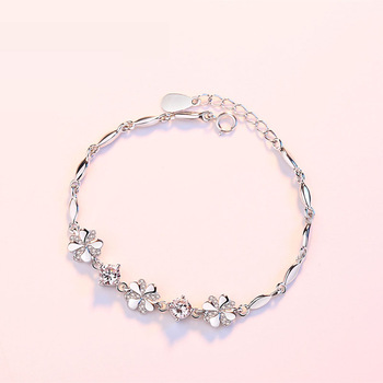 Women Pure 999 Sterling Silver Ladies Hand Leaf Bracelet Charm .