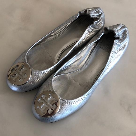 Tory Burch Shoes | Silver Flats | Poshma