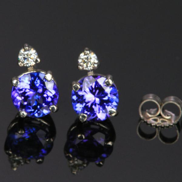 14K White Gold Round Tanzanite Stud Earrings with Diamond 6mm .