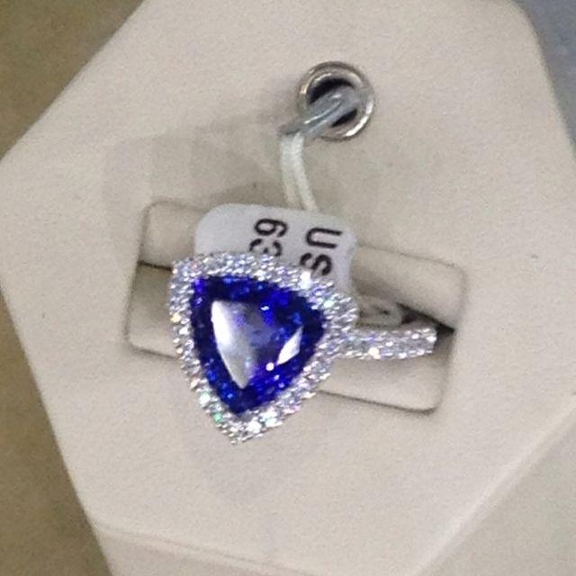 Tanzanite ring from Costco | Tanzanite ring, Fabulous rings .
