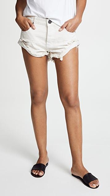 One Teaspoon Worn White Bandit Shorts | SHOPB